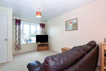 2 Bedrooms Terraced House for sale in Cayley Close, Rawcliffe. York, YO30