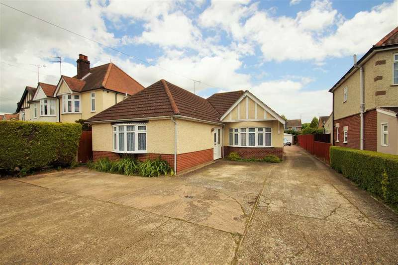 3 Bedrooms Bungalow for sale in Ipswich Road, Colchester