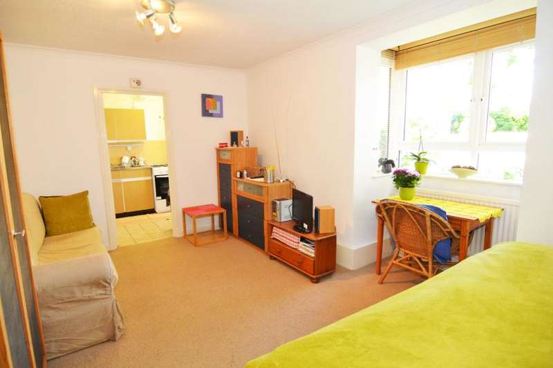 Studio Flat for sale in Station Road, Teddington, TW11