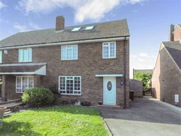 4 Bedrooms Semi Detached House for sale in Wellington Road, Shortstown, Bedford