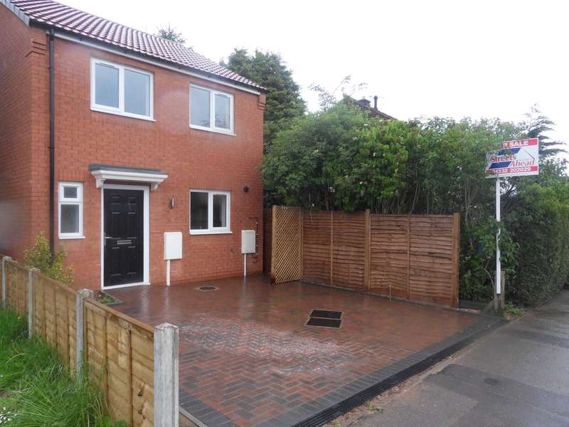 3 Bedrooms Detached House for sale in Prince Charles Ave, Mackworth