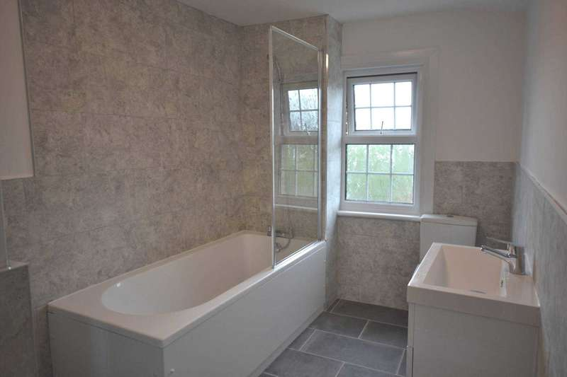 2 Bedrooms End Of Terrace House for sale in Primrose Hill, Chelmsford, Essex