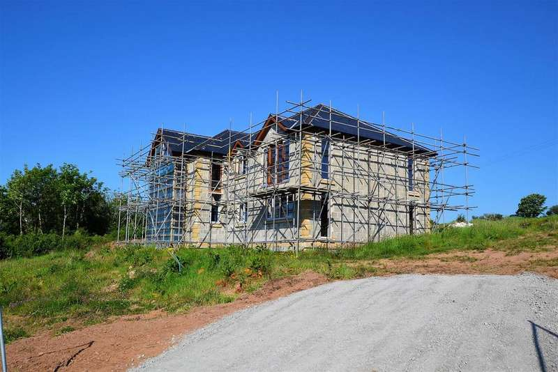 4 Bedrooms Detached House for sale in Pendine