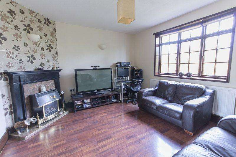 3 Bedrooms Detached House for sale in Underhill Avenue, Derby