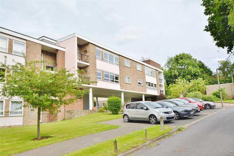 3 Bedrooms Apartment Flat for sale in Ivinghoe Road, Bushey, Hertfordshire, WD23