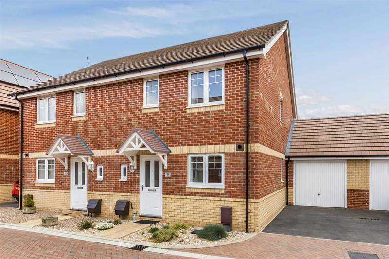 3 Bedrooms Semi Detached House for sale in Bognor Regis