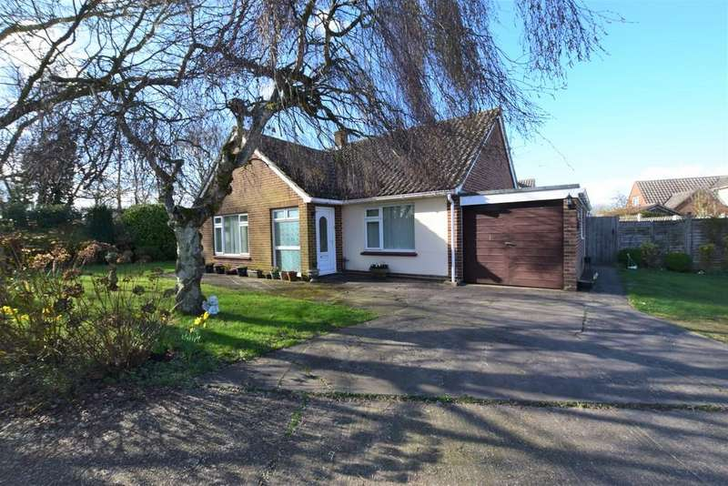 2 Bedrooms Detached Bungalow for sale in Highlands, Gosfield, Halstead