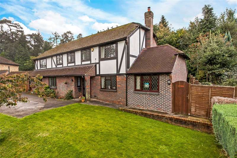 5 Bedrooms Detached House for sale in Linden Road, Headley Down, Hampshire, GU35