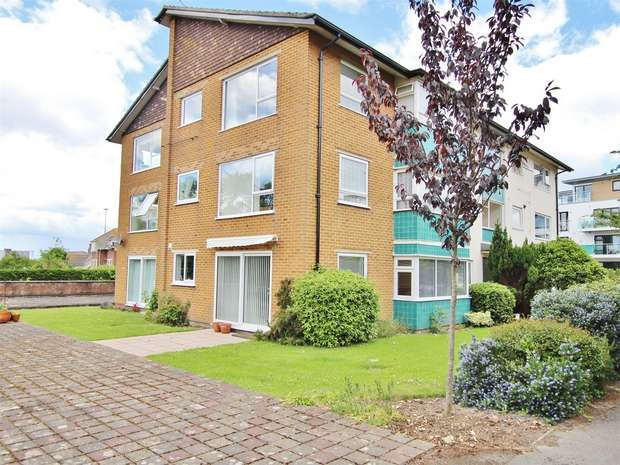 2 Bedrooms Flat for sale in 41 Mount Pleasant Road, Poole, Dorset