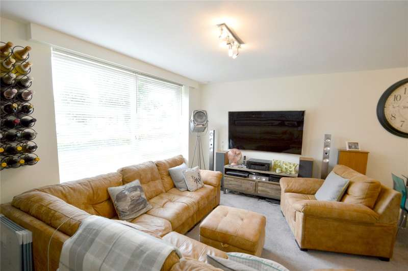 2 Bedrooms Apartment Flat for sale in Kenley House, Ashburton Road, Croydon