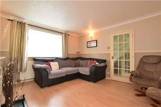 4 Bedrooms Semi Detached House for sale in Desborough Crescent, Oxford, OX4 4UB