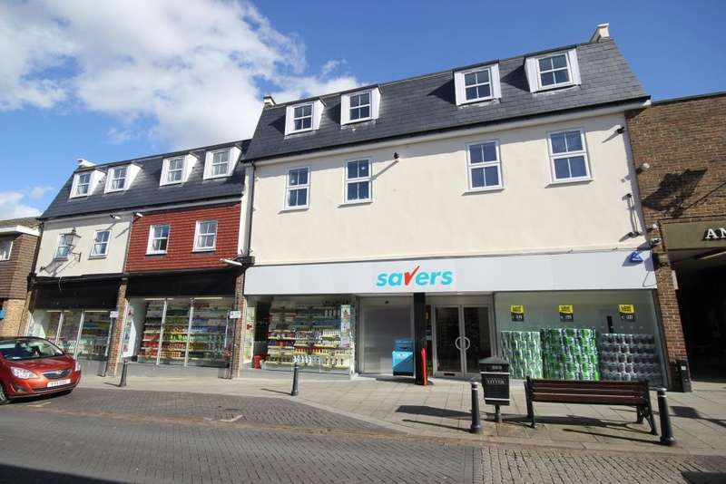 2 Bedrooms Flat for sale in Angel Pavement, Royston