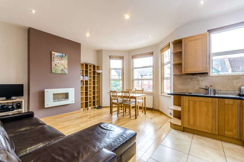 3 Bedrooms Flat for sale in Olive Road, Gladstone Park, NW2
