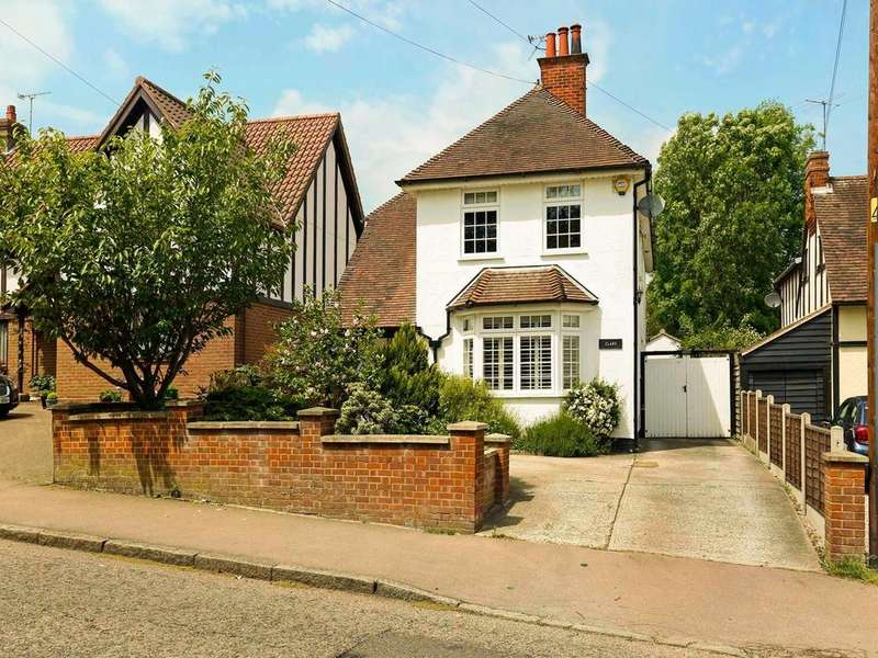4 Bedrooms Detached House for sale in Braintree Road, Dunmow, Essex, CM6