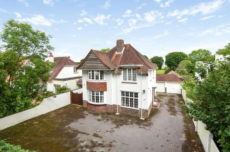 4 Bedrooms Detached House for sale in Sinah Lane, Hayling Island, PO11