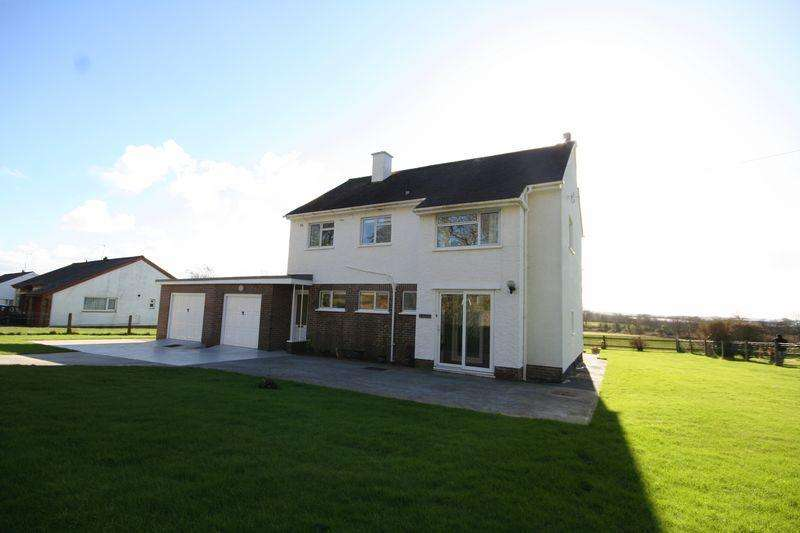 4 Bedrooms Detached House for sale in Llangefni, Anglesey