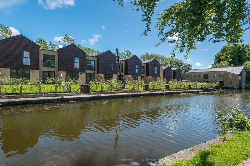 3 Bedrooms House for sale in The Quernmore, Aldcliffe Yard, Lancaster