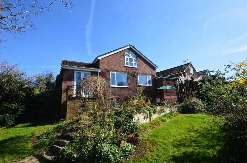 3 Bedrooms Detached House for sale in Hogarth Road, Marple Bridge