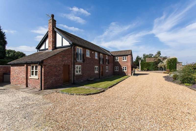 5 Bedrooms Barn Conversion Character Property for sale in Higher Yewards Barn, Butley Lanes, Prestbury