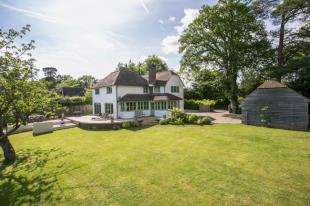 4 Bedrooms Detached House for sale in Etchingham Road, Burwash, Etchingham, East Sussex