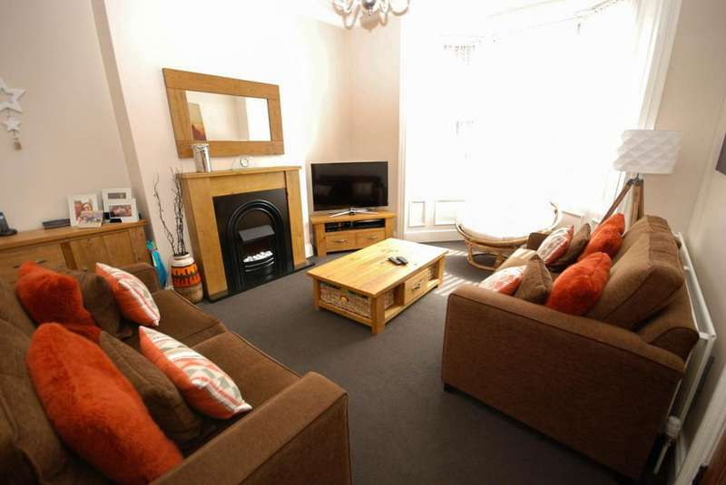 4 Bedrooms Terraced House for sale in Rosebery Avenue, South Shields