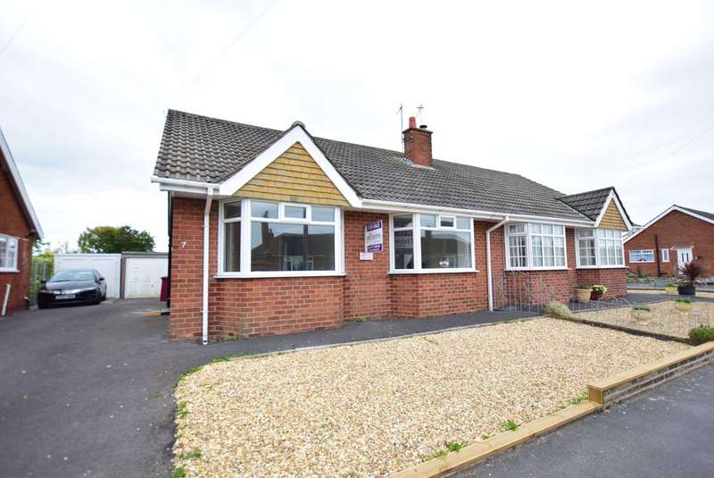 2 Bedrooms Semi Detached Bungalow for sale in Seabrook Drive, Thornton Cleveleys