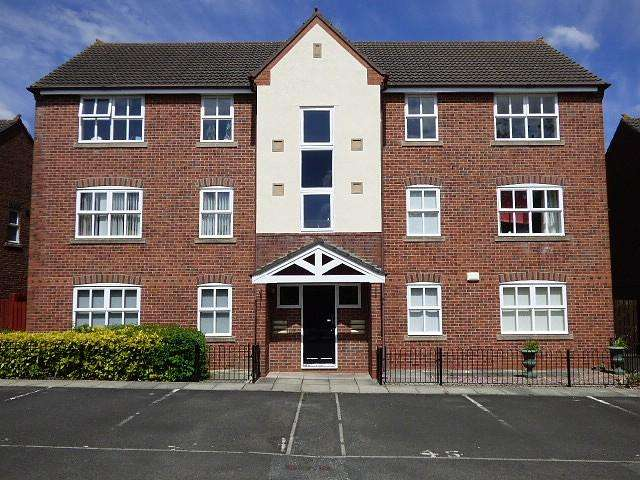 2 Bedrooms Flat for sale in Old Quay Street, Runcorn