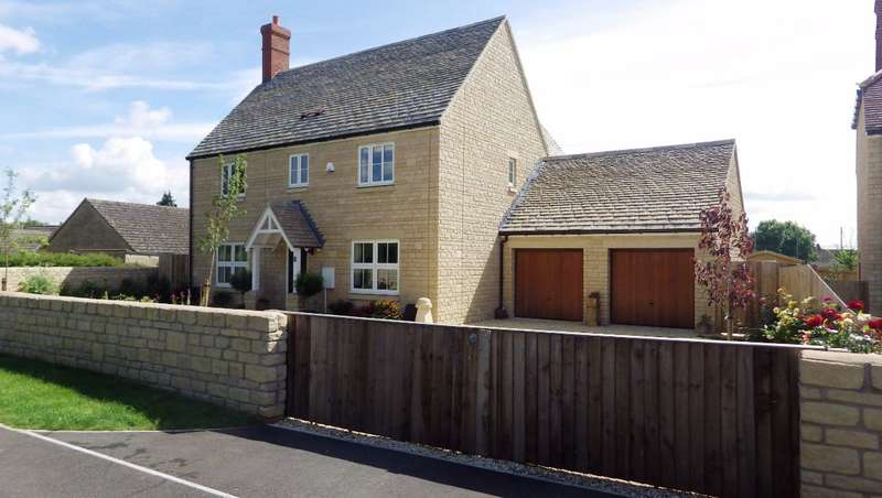 4 Bedrooms Detached House for sale in Kempsford