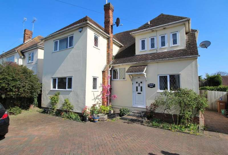 4 Bedrooms Detached House for sale in Broomfield Road, Chelmsford, Essex, CM1
