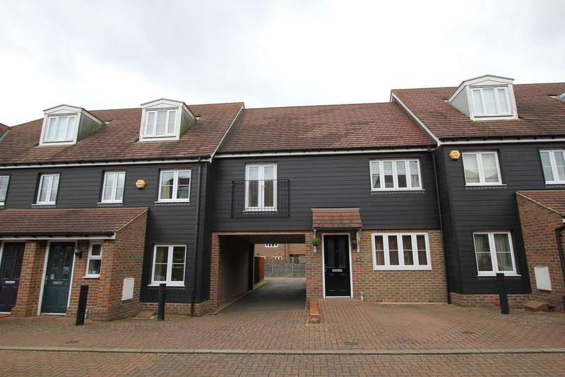 2 Bedrooms Terraced House for sale in Haycock Round, Stevenage