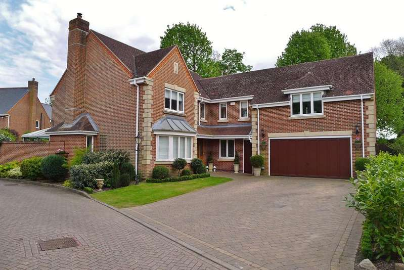 5 Bedrooms Detached House for sale in THE CEDARS, FAREHAM