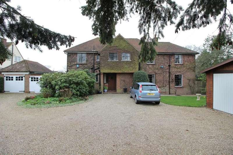 6 Bedrooms Detached House for sale in Writtle Road, Chelmsford, Essex, CM1