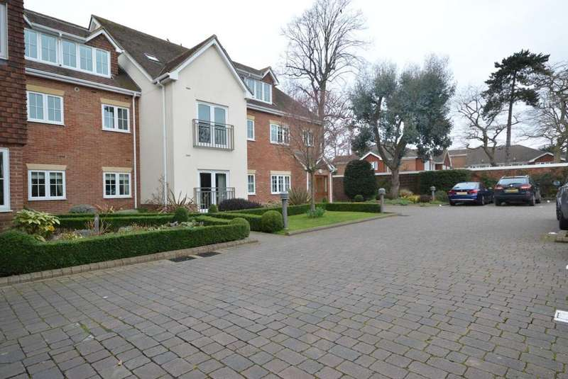 1 Bedroom Apartment Flat for sale in Tilia Court, Berther Road, Hornchurch, Essex, RM11