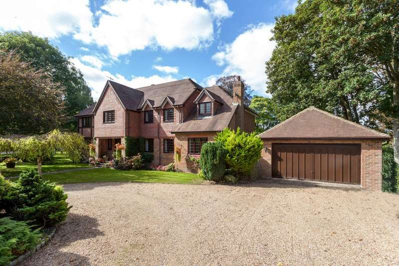 5 Bedrooms Detached House for sale in Orchard Mill, Riversdale, Bourne End