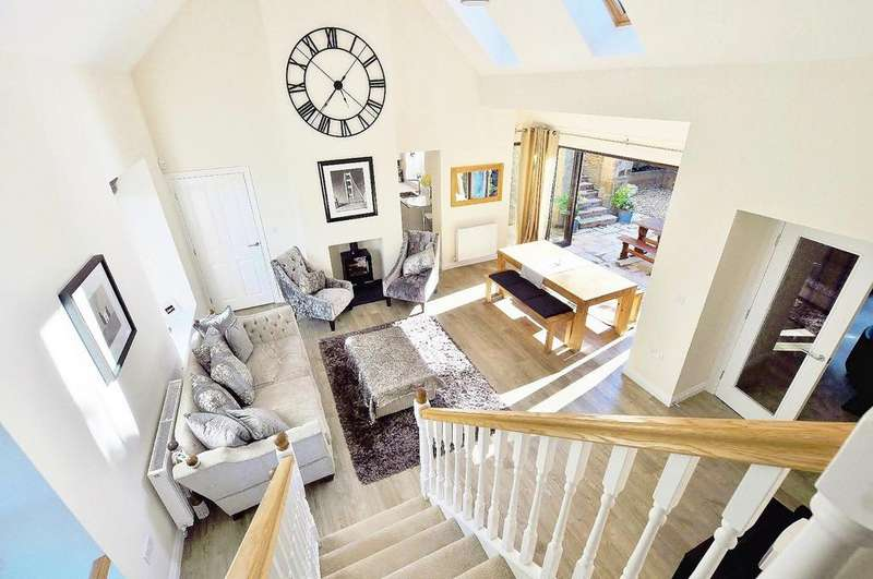 2 Bedrooms Cottage House for rent in La Sagesse, Jesmond, Newcastle Upon Tyne
