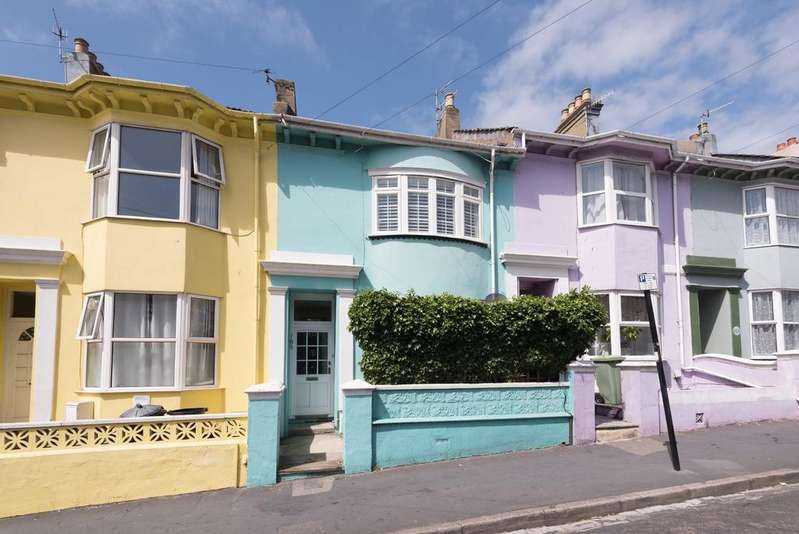 3 Bedrooms Terraced House for rent in Queens Park Road, Brighton, BN2