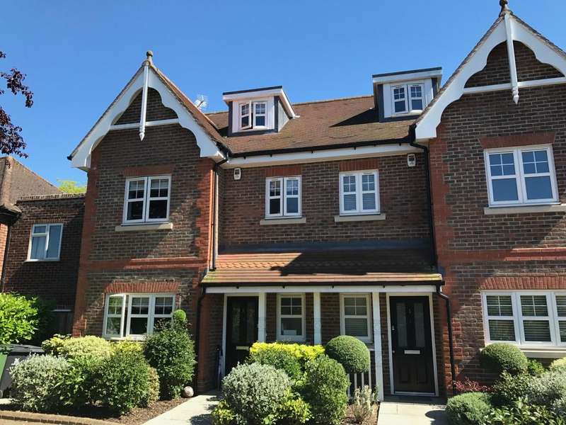 4 Bedrooms House for sale in Carlton Place, Dedmere Road