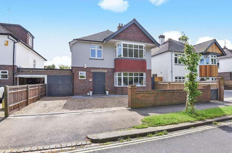 4 Bedrooms Detached House for sale in Silverston Avenue, Bognor Regis, PO21