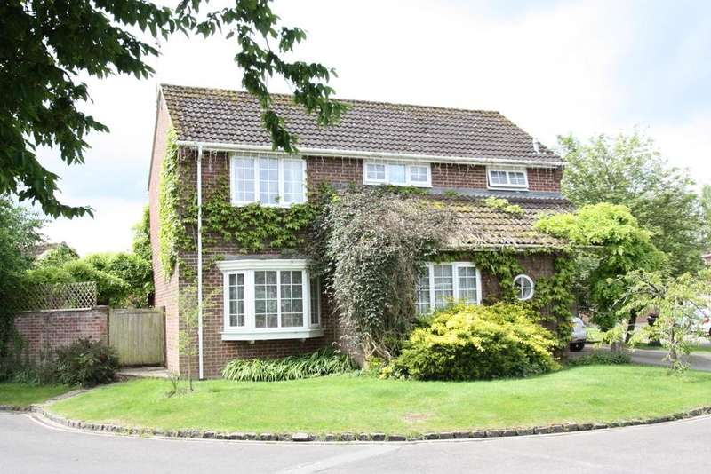4 Bedrooms Detached House for sale in Andover