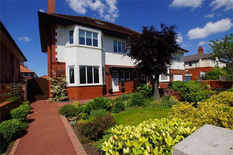 4 Bedrooms Semi Detached House for sale in Lake Road North, Ansdell, Lancashire