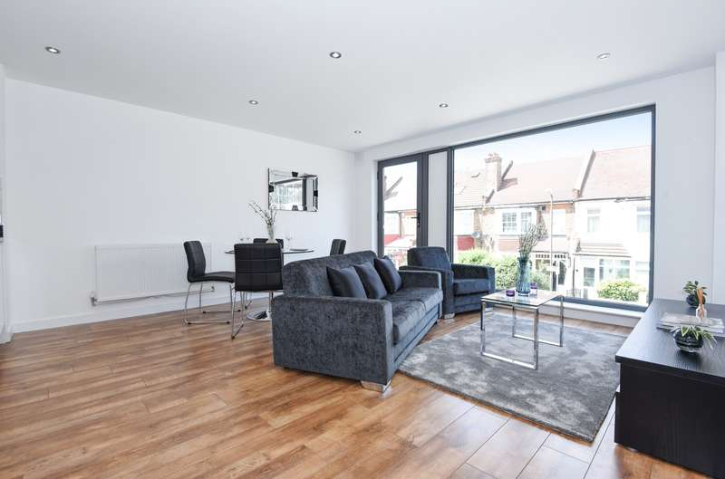 2 Bedrooms Flat for sale in Spur House, Wimbledon, SW19