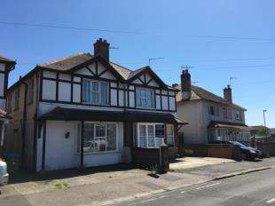 4 Bedrooms Semi Detached House for sale in Kenilworth Road, Bognor Regis, West Sussex