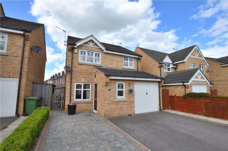 3 Bedrooms Detached House for sale in Champion Avenue, Castleford, West Yorkshire