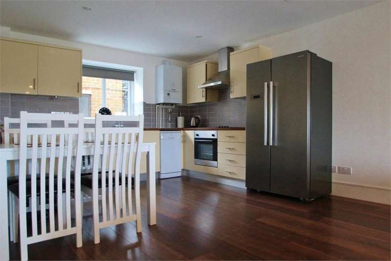 2 Bedrooms Flat for rent in Stone Street, Brighton, East Sussex