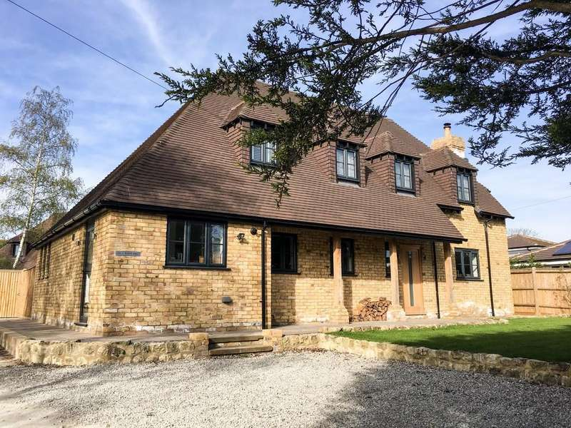 4 Bedrooms Detached House for sale in Mill Bank, Headcorn