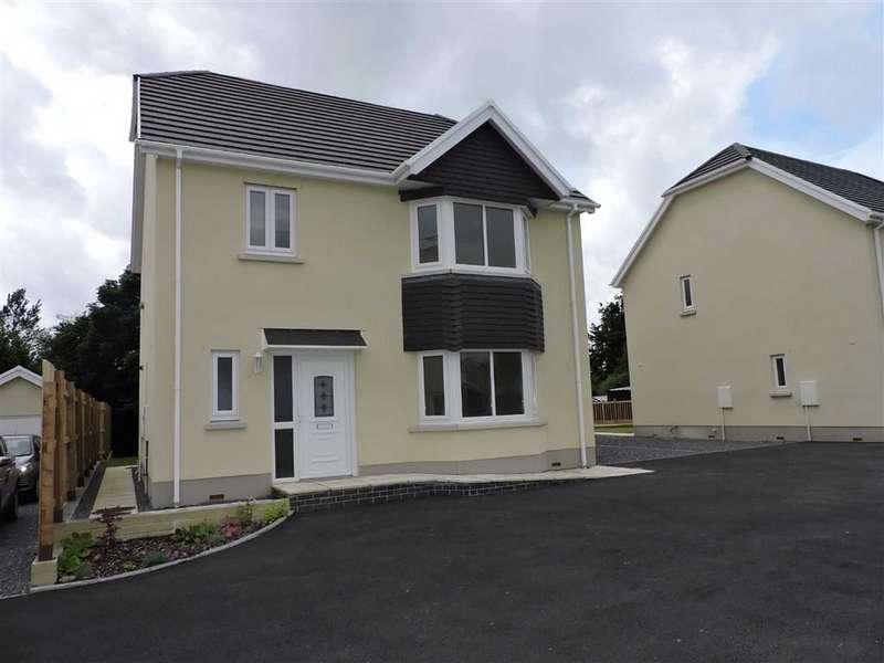 4 Bedrooms Detached House for sale in Llandybie Road, Ammanford