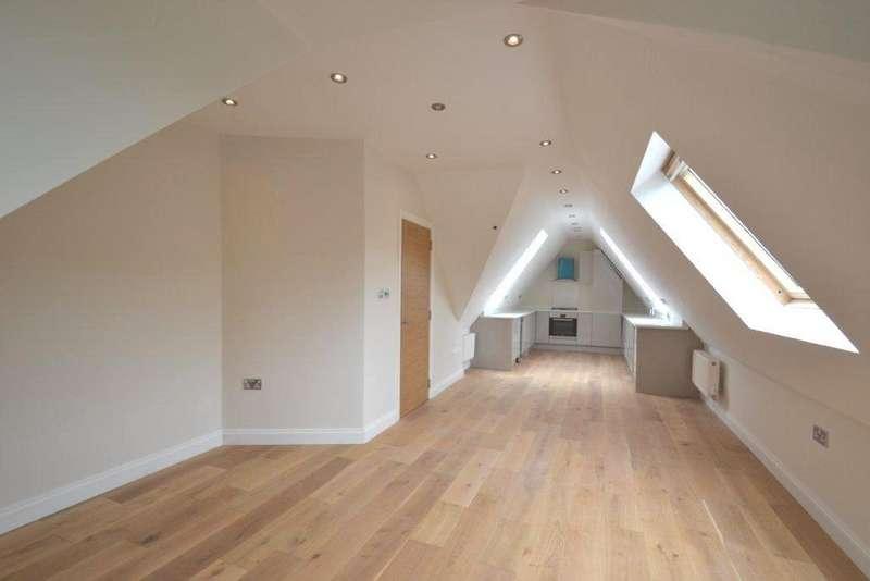 2 Bedrooms Flat for sale in Mortimer Road, Ealing Broadway, W13