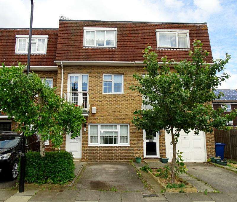 4 Bedrooms House for sale in Rowan Close, Ealing
