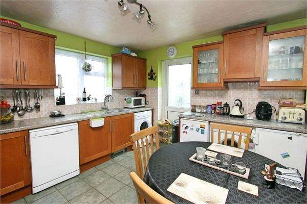 3 Bedrooms Semi Detached Bungalow for sale in 6 Endeavour Close, Tollesbury, MALDON, Essex