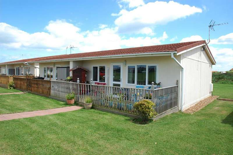 2 Bedrooms Chalet House for sale in Rainbows End Park, Mill Lane